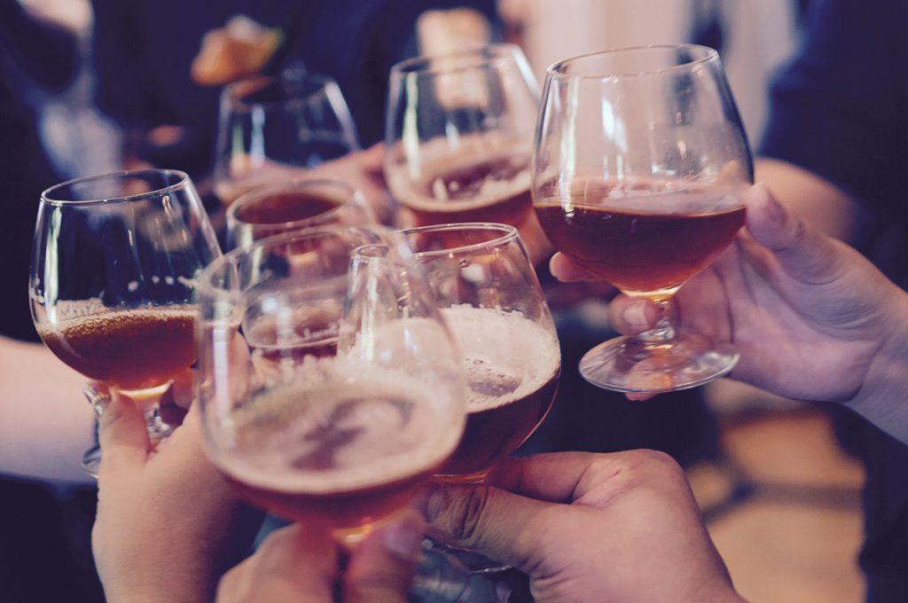 une bonne bièrre entre amis