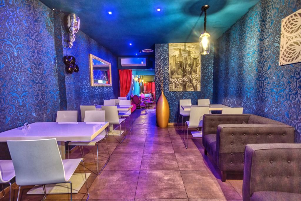 salle de chihca bar du 16 art cannes