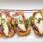bruschetta - 16 art cannes Resto